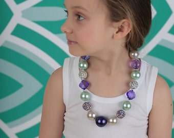 Girls chunky necklace made to match any skirt or dress purchase.