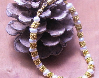 Present-Day Pearl Bracelet-Bride or Mother of Bride-Wedding Jewelry-Gold