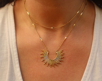 Starburst Gold Sun Necklace, Rising Sun Necklace, Gold Charm Necklace, Sun Goddess Necklace, Gold Necklace for Women, Gold Layering Necklace