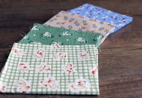 Retro Puppy Quilt Quarters
