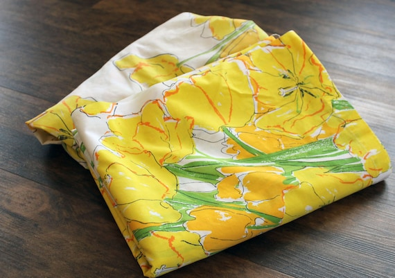 Vintage VERA Neumann Yellow Poppy Bed Sheet TWIN set