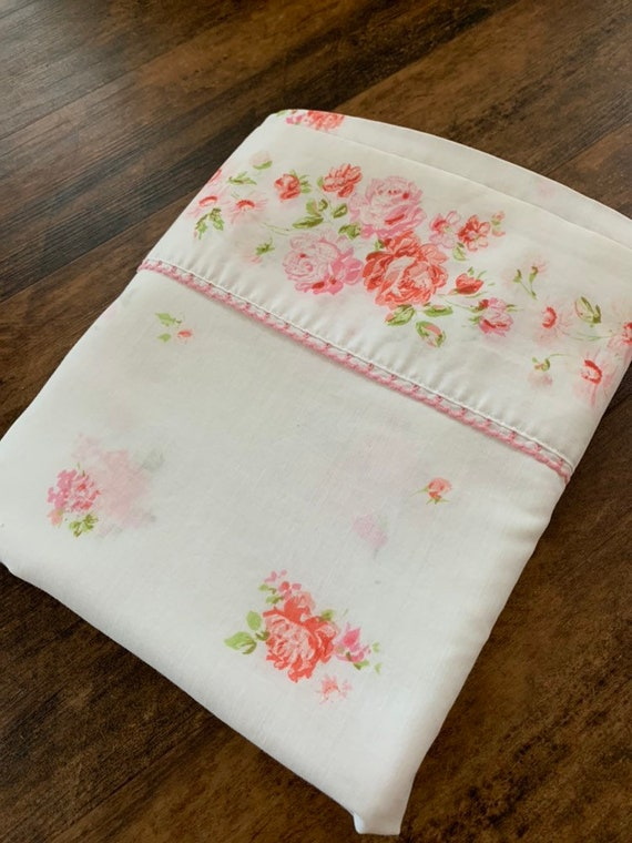 Vintage Pink Rosebud Bed Sheet