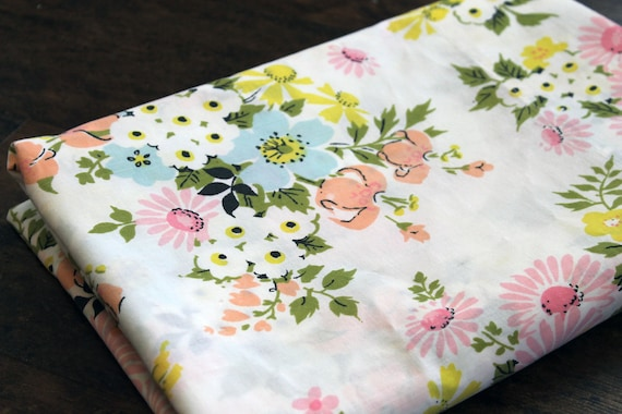 Vintage Floral TWIN flat bed sheet