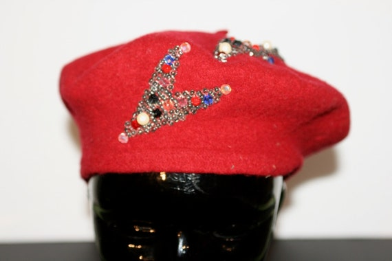 1940s Red Wool Beret W/ Hand Sewn Glass Beaded Arr