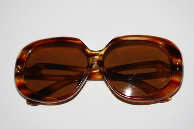 050db79a26e Vintage 70s FOSTER GRANT Oversized Tortoise Shell Sunglasses Made in the USA