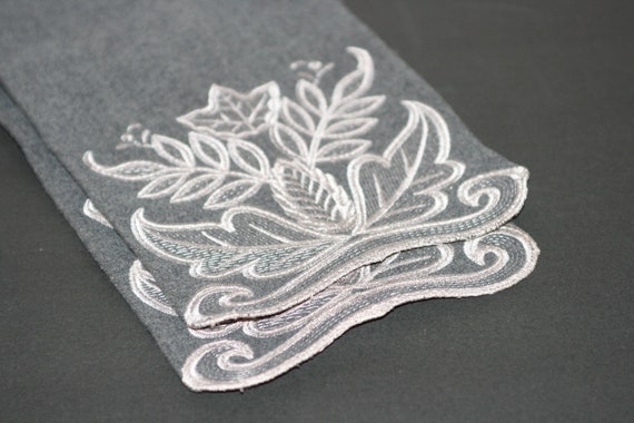 1940s Grey Cashmere Scarf With Decorative Embroide