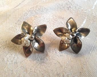 Vintage Sterling Silver Floral Earrings for Pierced Ears. 40's Look.