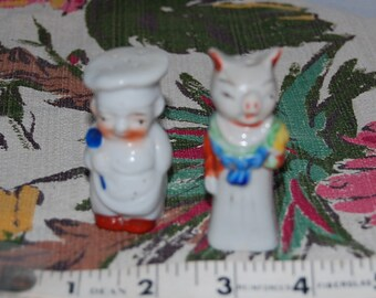 Chef and Pig salt and pepper shakers, vintage ceramic