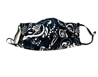 Cotton pleated face mask in black batik fabric