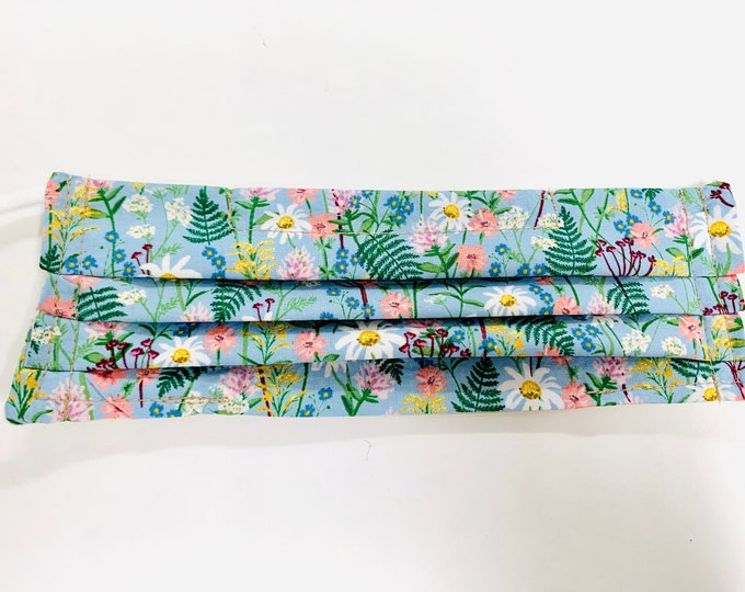 Featured listing image: Pleated mask in light blue floral fabric