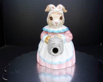 Heritage Mint LTD Miss Bunny Teapot #338--Decorative Use Only