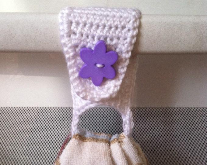 Crochet Towel Holder / Towel Ring / Towel Topper / Kitchen Towel Holder / Towel Holder