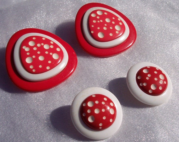 Polka Dot Earrings, Lucite, Vintage, Minnie Mouse, Costume Jewelry, Red, Retro,I LOVE LUCY,Unique,Designer,Pierced,High Fashion,Dress Up