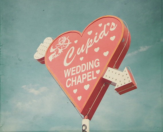 Cupid Wedding Chapel Cupid S Chapel Blue And Red Vegas Wedding Chapel Vegas Chapels Wedding Chapel Sign Las Vegas Photo Red Heart