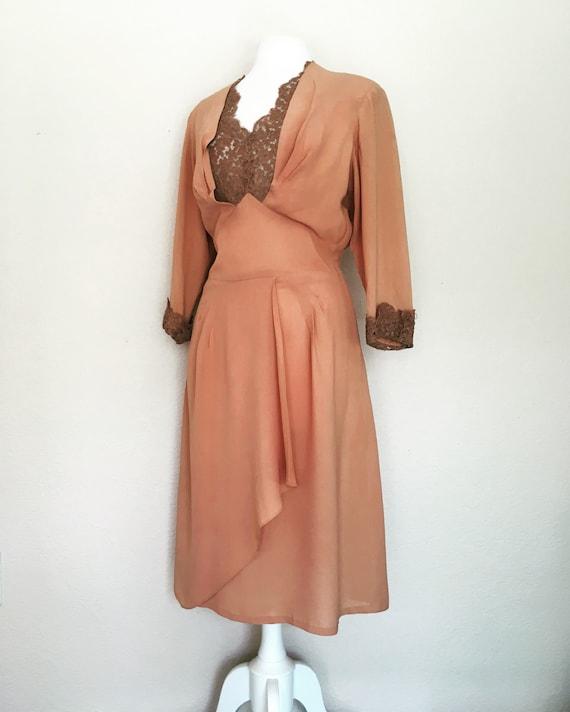 1940s Swing Era Lace Inset Dress - image 1