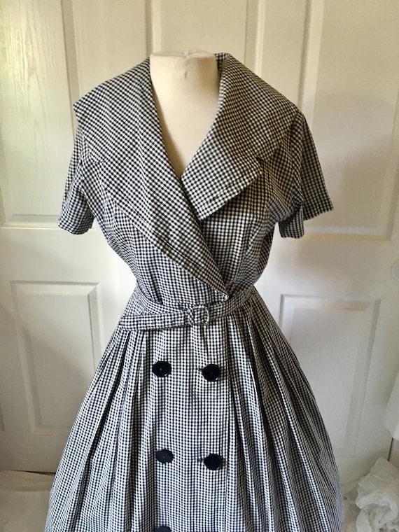 1950s Black & White Dress Shawl Collar/ Wrap arou… - image 9
