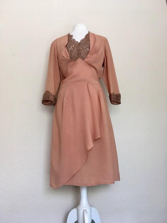 1940s Swing Era Lace Inset Dress - image 3