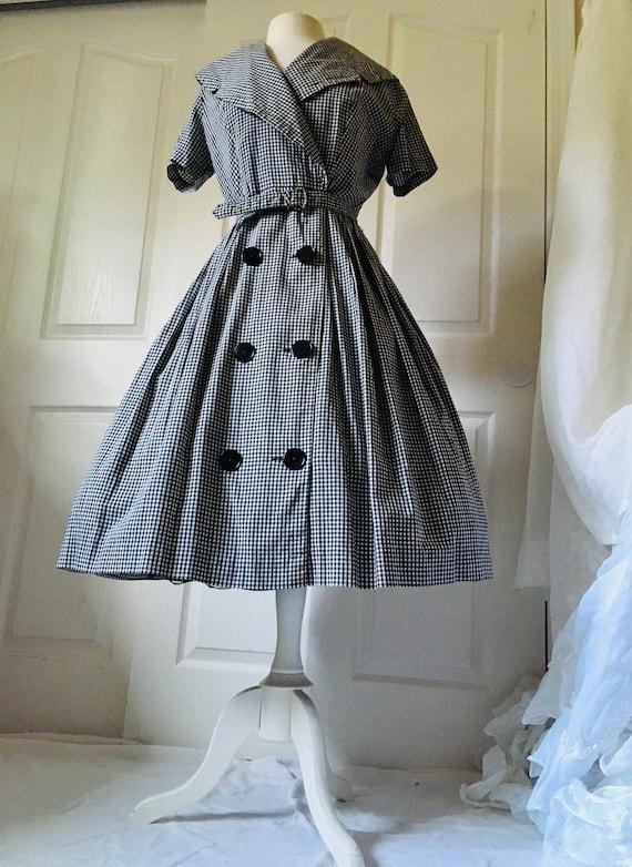 1950s Black & White Dress Shawl Collar/ Wrap arou… - image 1