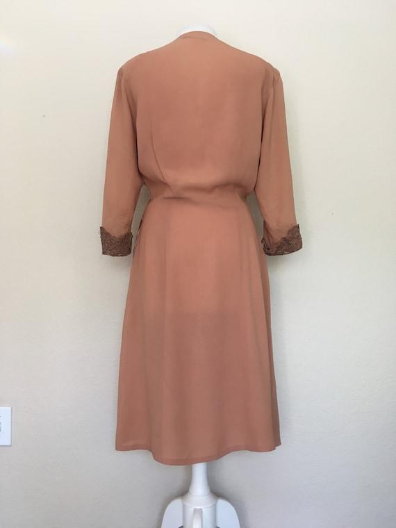 1940s Swing Era Lace Inset Dress - image 6