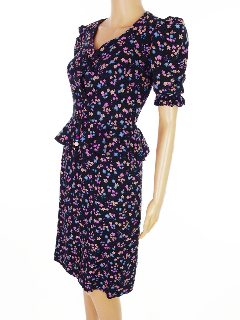 ON SALE 60s70s Sweetheart Lace-Up Midi Dress With Peplum Detail In Soft Cotton Size M