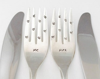 Mr. and Mrs. hand stamped silver dinner forks with knives ~ Bride and Groom Gift / Bridal Shower Gift / Wedding Table Decor / Wedding Gift