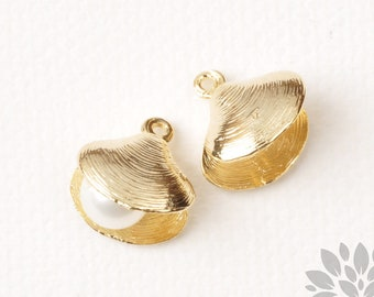 P959-G// Gold Plated Openable Clam Shell Pendant, 2pcs