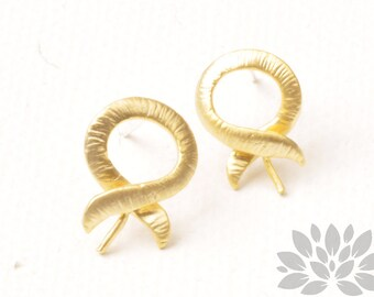 E350-MG// Matt Gold Plated Campaign Ribbon Earring Post, 2pcs