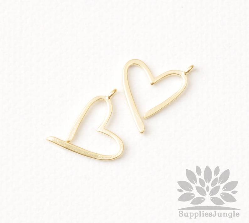 P952-MG Matt Gold Plated Heart Pendant 2pcs