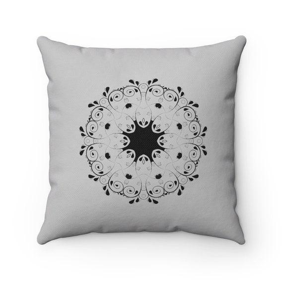 Medallion Geometric Spun Polyester Square Pillow