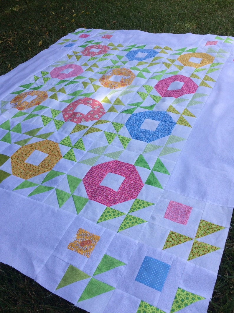 Quilt pattern  spring blooms and blossoms  53 x image 0