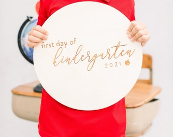 First Day of School Sign / Last Day of School Sign - Laser Cut Round Wood Sign