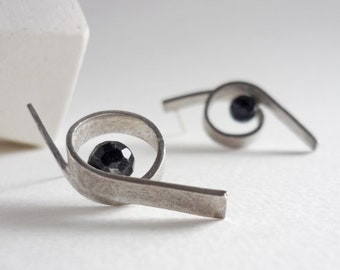 Sculptural curl post earrings, original silver and onyx loop earrings in the shape of curl for women