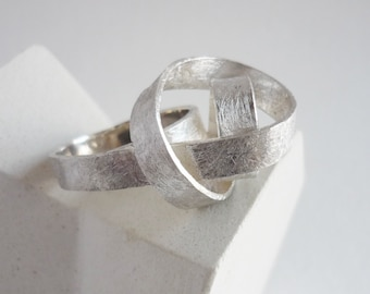 Sculptural silver ring for daring women, modern ring in the shape of curling crest of a wave, gift for women art lovers