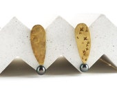 yellow gold and grey pear...