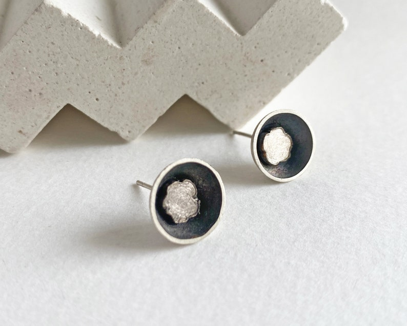 Small flower earrings black and  white flower stud earrings image 0