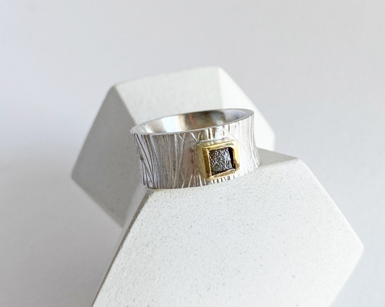 Original band ring with rough diamond ring with marked image 0