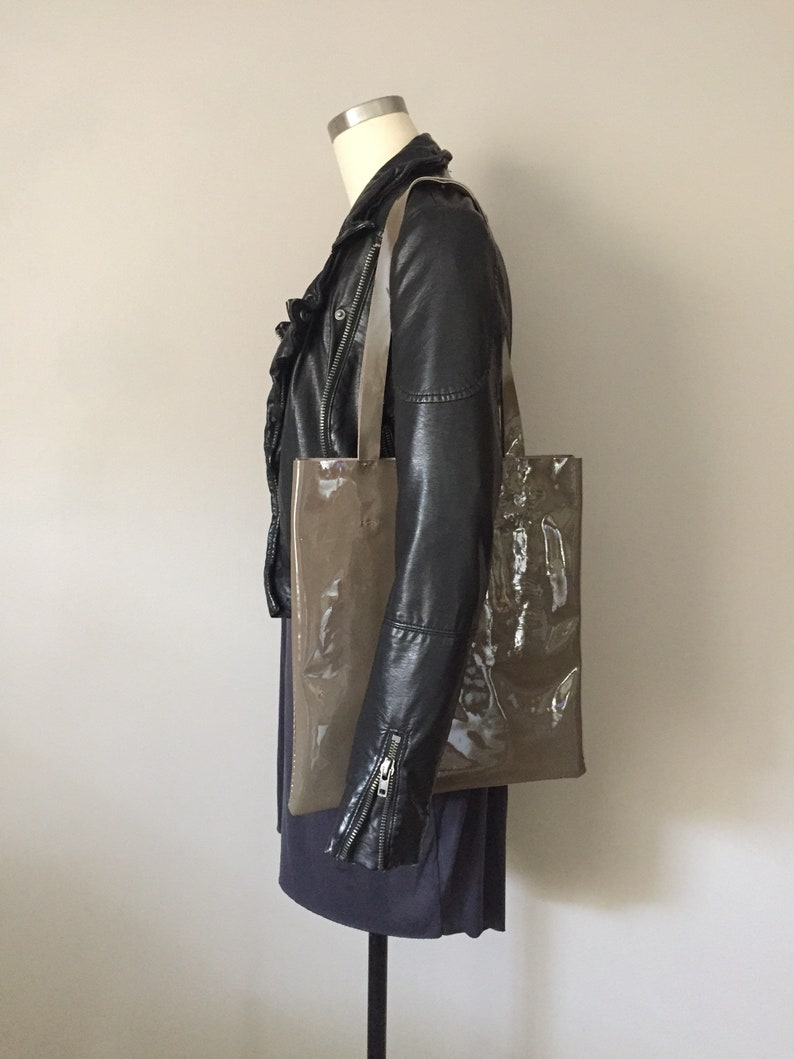 1984 Olive Patent Olive Tote