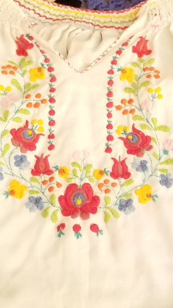 Vintage Hungarian Embroidered Floral Blouse, Free… - image 4