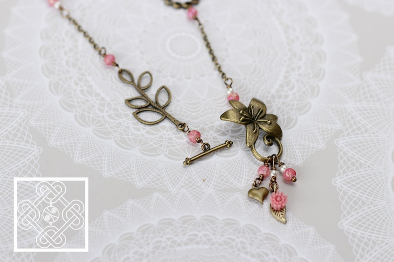 Antiqued Brass /& Pink 24 Asymmetrical Front-Close Spring Flower Necklace