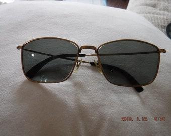 cd038d5a08 Vintage Polaroid Cool-Ray Sunglasses 98A Gold Tone -Gray green Lens
