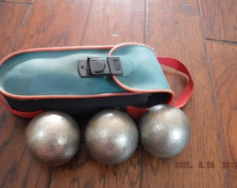 Petanque / Bocce balls in case X 3 stamped J4 and 700