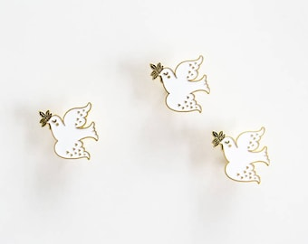 Peace Dove - enamel pin