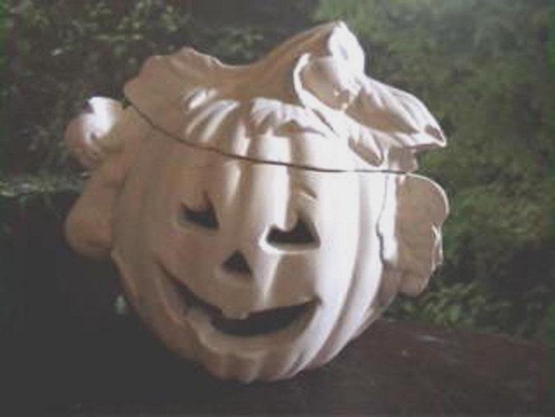 28f2991f3e Halloween LanternHalloween Pumpkin Mouse house Mouse and