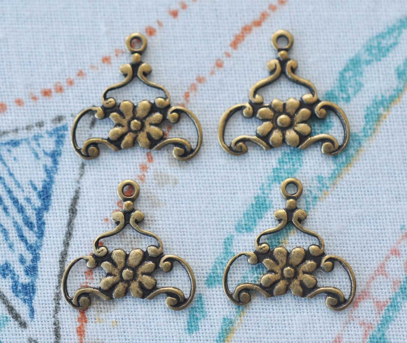 12 Antique Bronze Rose Charms STEAMPUNK Victoriana Roses Pendants 25mm