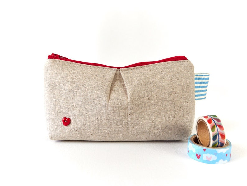 Simple Linen Zipper Pouch Red Heart Period Pouch for School image 0
