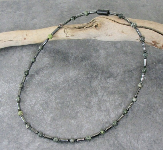collier homme magnetique