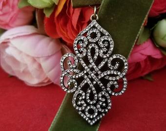 Lovely Victorian Pendant on Moss Green Ribbon Bookmark