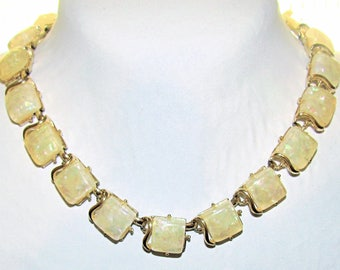 Vintage Coro Pegasus Gold Opal Confetti Lucite Squares Necklace in Goldtone, Hook Closure, Gorgeous!