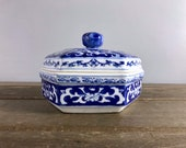Chinese Blue White Floral Jewelry Trinket Box Vintage Porcelain Ceramic Chinoiserie Sextagonal Bowl with Lid