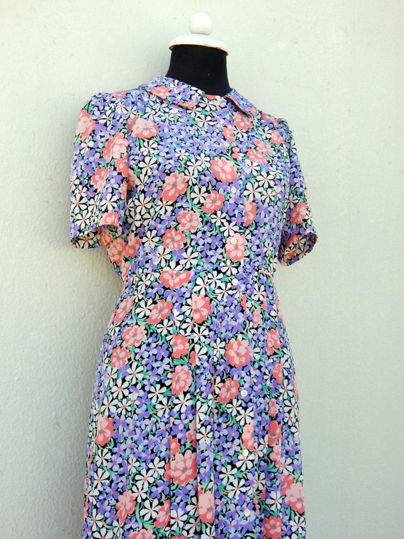 Vintage 90s dress does 30s or 40s